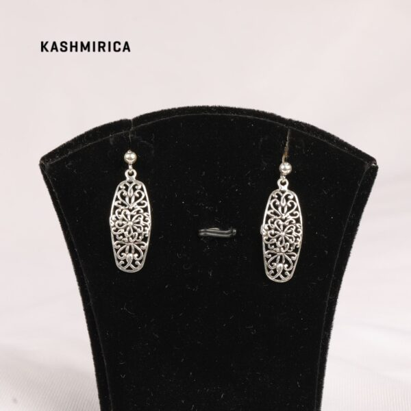 Aurum Earrings White