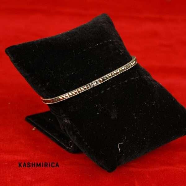 Izmir Bangle Black and Red