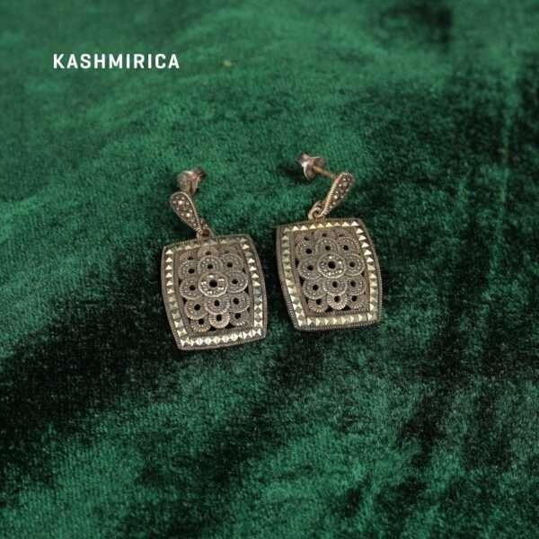 Fozia Earrings Green