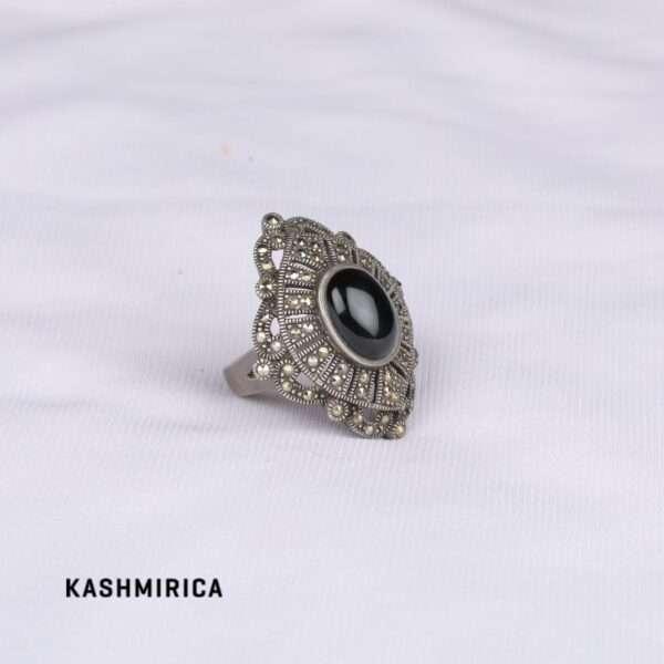 Jaleh Ring White