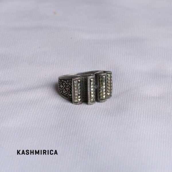 Zardoz Ring White