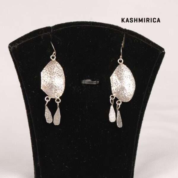 Baaria Earrings White