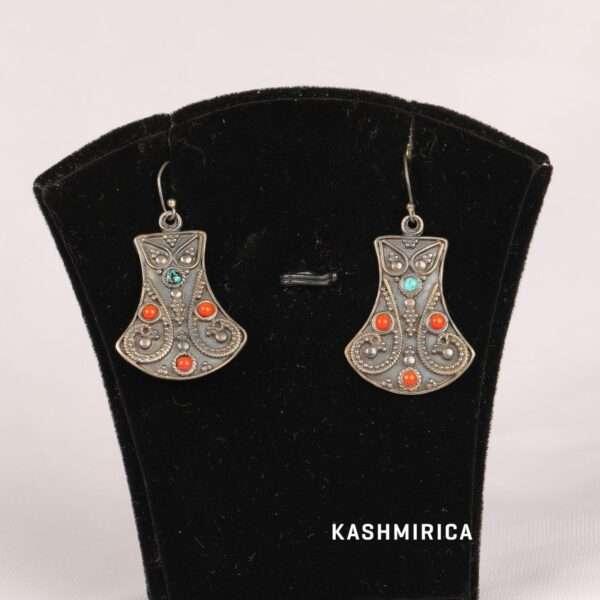 Zarqa Earrings White