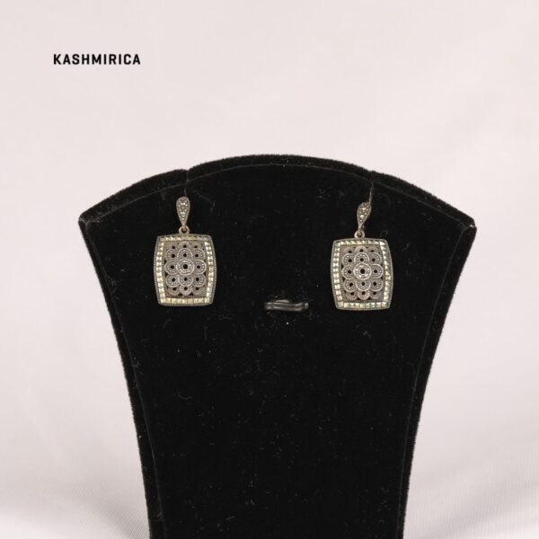 Fozia Earrings White