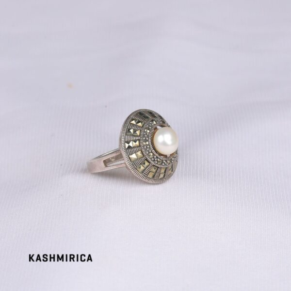 Meryem Ring White