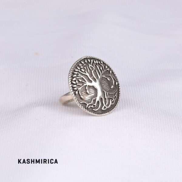 Zohra Ring White