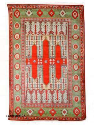 Banu Kashmiri Carpet White Background